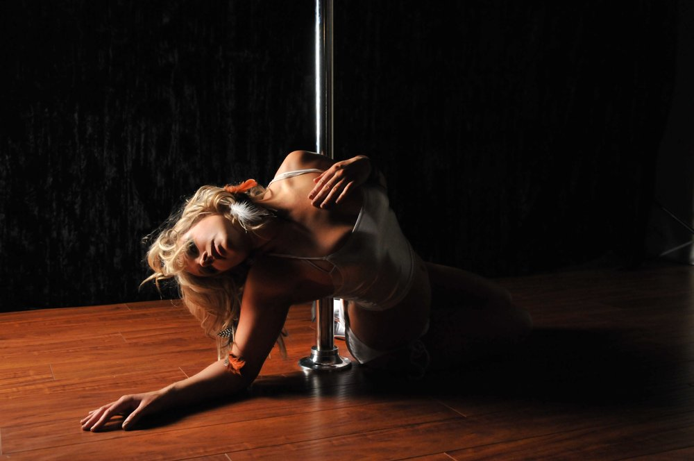 SexyLea Want to learn pole dance custom pic 1