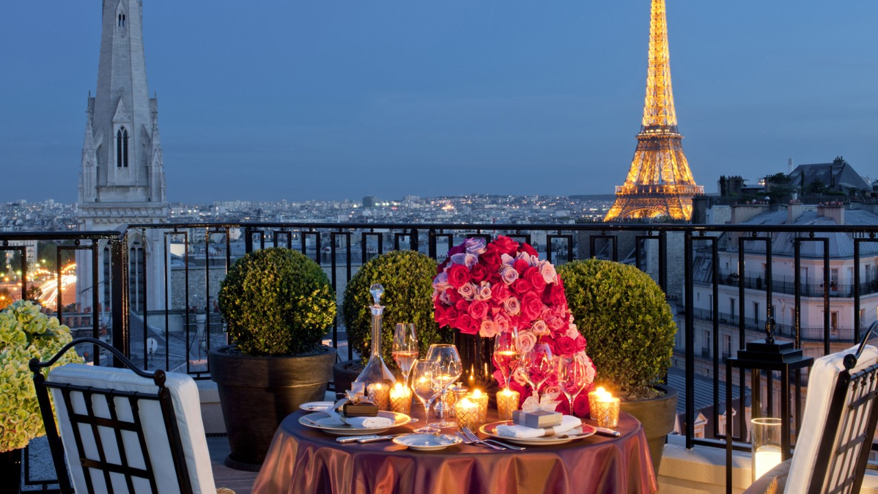 uc4y_cekc Want to have a romantic dinner in Paris custom pic 1